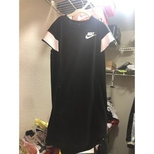 Girls Nike dress with pockets